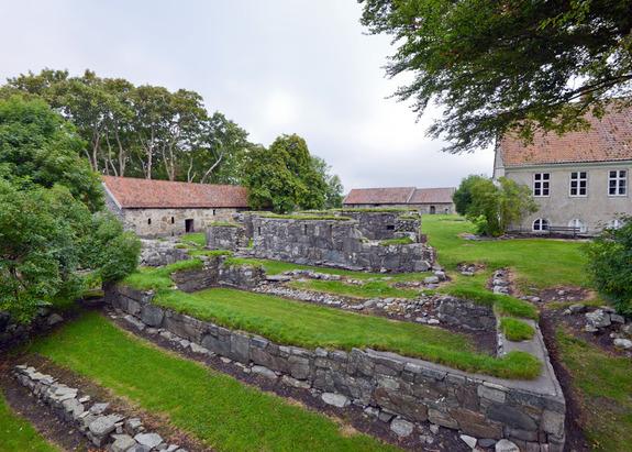 - Halsnøy Kloster