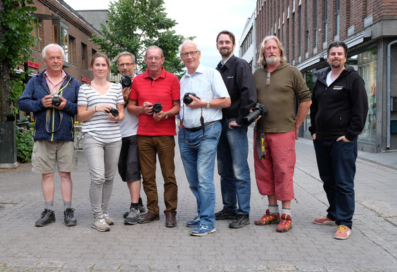 Morten Reiten - Medlemmer fra Lillehammer Kameraklubb og Japan Photo er klare til å ta i mot ivrige fotovandrere på Lillehammer.