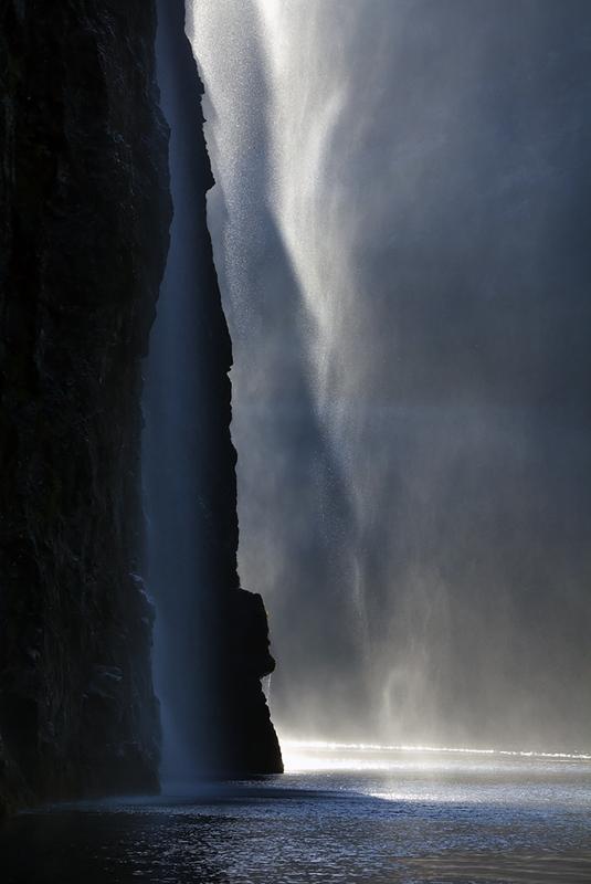 Finn M Grande - Fjord, foss og vanndrev II