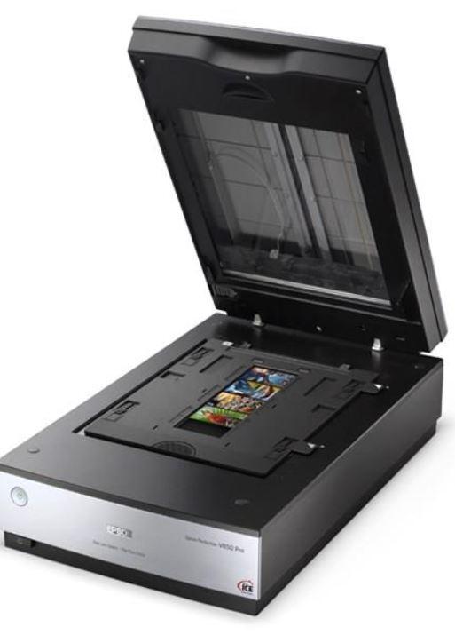 - Når du skal kvalitets-skanne lysbilder, må skaffe denne eller tilsvarende utstyr. Her en Epson flatbedskanner.